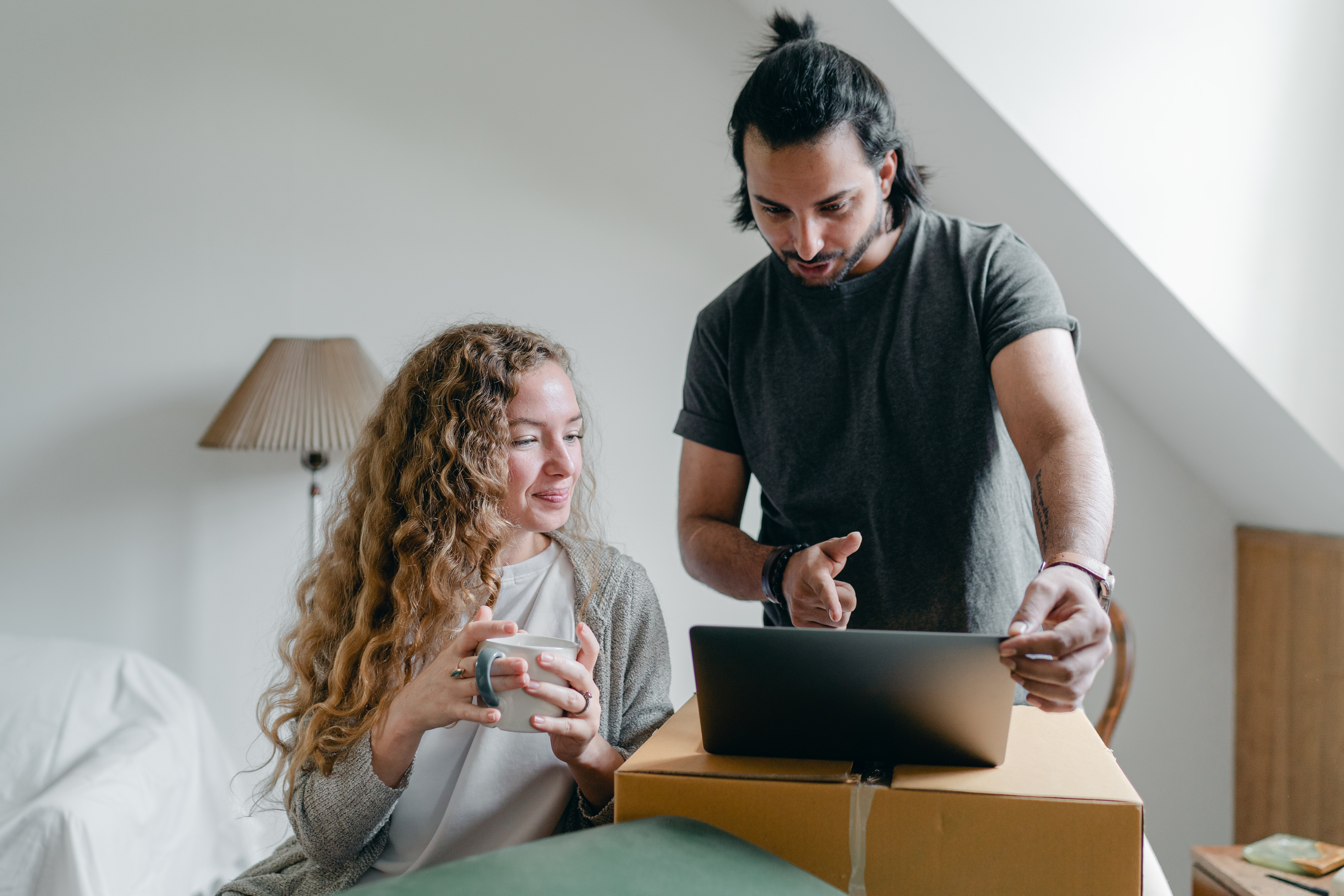 young-couple-computer-moving